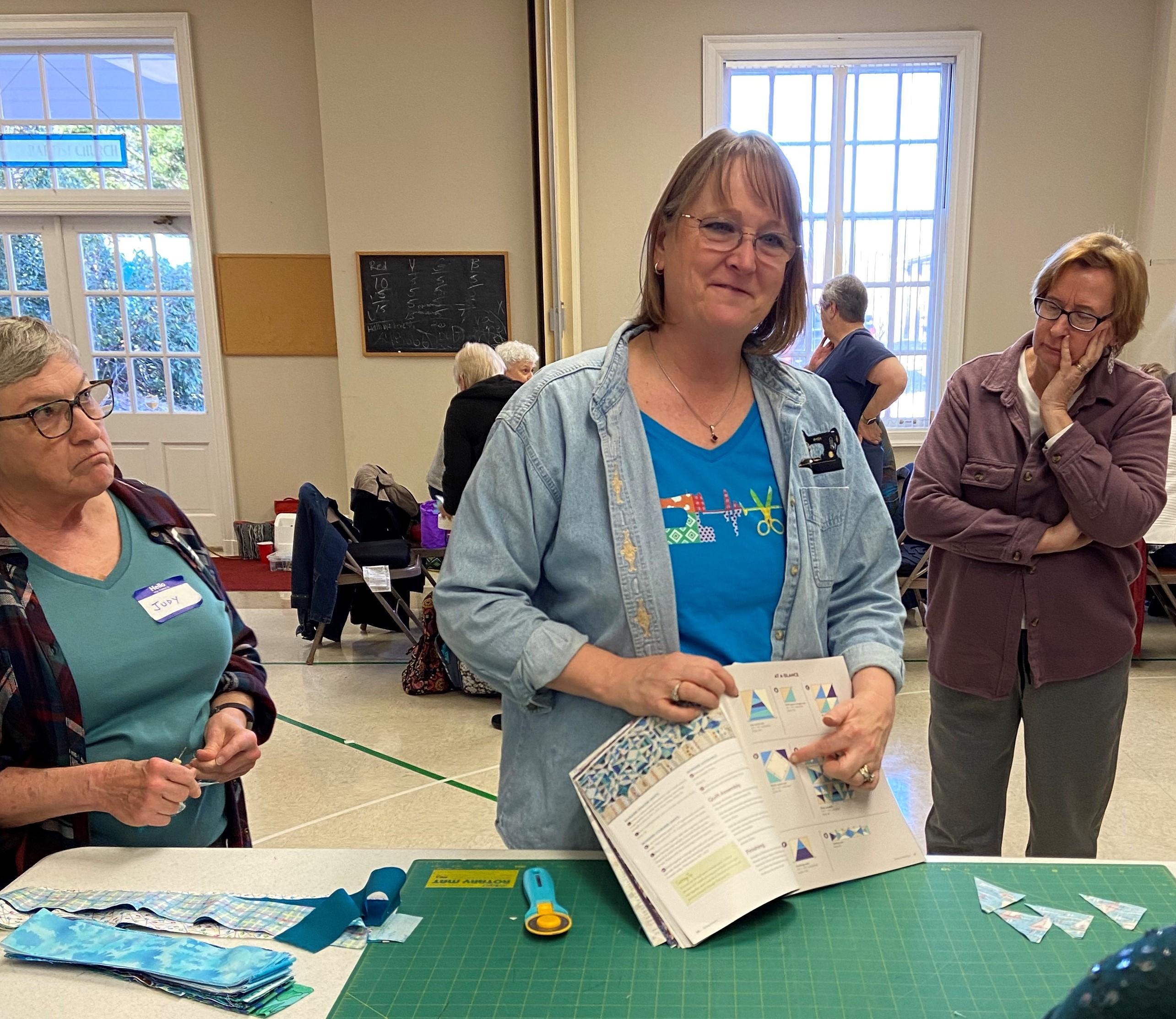 Bonnie Hunter teaching Straits of Mackinac